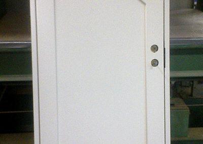 specialsnickeri av dörrar