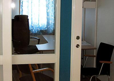 specialsnickeri av dörrar kontor