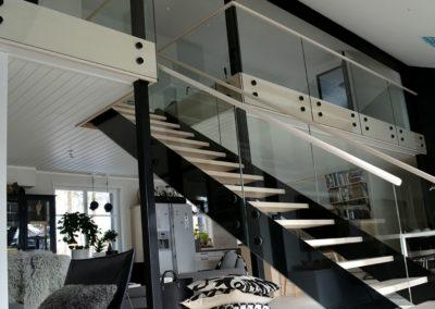 LDS trappdesign i svart